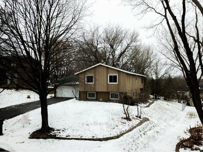 Eden Prairie Single Family Home For Sale: 9825 Friar Drive