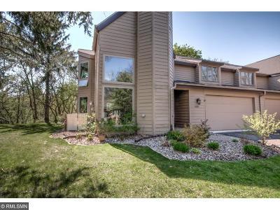 Eden Prairie Single Family Home For Sale: 6852 Stonewood Court