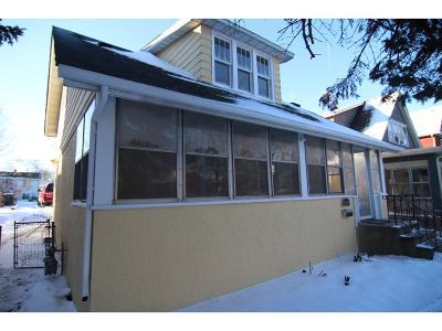 Saint Paul Single Family Home For Sale: 900 Carroll Avenue