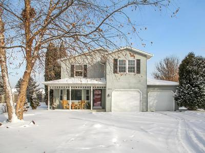 Eagan Single Family Home For Sale: 3922 Boston Circle