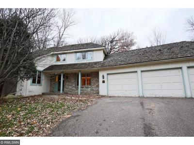 Wayzata, Plymouth Single Family Home For Sale: 14010 Minnehaha Place