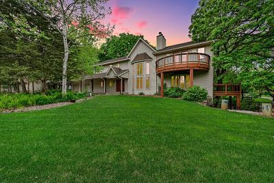 Lakeville Single Family Home For Sale: 9928 Oak Shore Drive