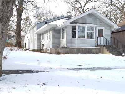 Hutchinson Single Family Home For Sale: 560 Hassan Street SE