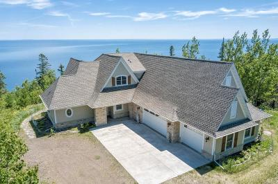 Two Harbors Single Family Home For Sale: 1960 Silver Cliff Landing Road
