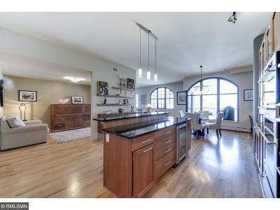 Minneapolis Condo/Townhouse For Sale: 215 10th Avenue S #624
