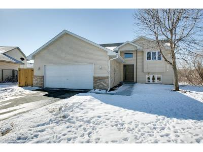 Isanti Single Family Home Contingent: 416 Cardinal Court