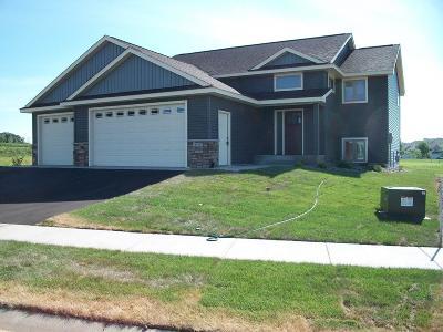 Single Family Home For Sale: 3530 Sevenoaks Street