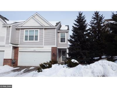 Prior Lake Condo/Townhouse Contingent: 5042 Bluff Heights Trail SE