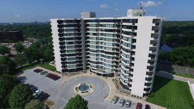 Edina Condo/Townhouse For Sale: 6566 France Avenue S #104