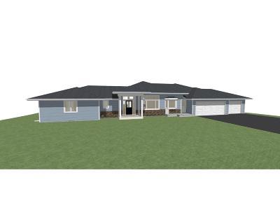 Deephaven Single Family Home For Sale: 18200 Honeysuckle Lane