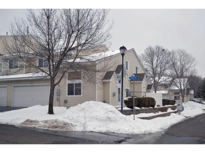 Coon Rapids Condo/Townhouse Contingent: 10909 Vale Street NW