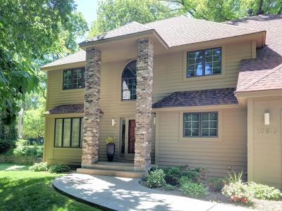 Minnetonka Single Family Home For Sale: 10815 Sumac Lane