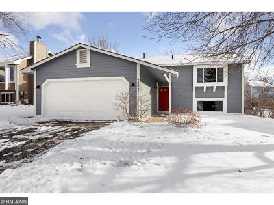 Burnsville Single Family Home Contingent: 2804 Westcliffe Drive