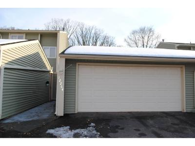 Coon Rapids Condo/Townhouse Contingent: 12264 Drake Street NW