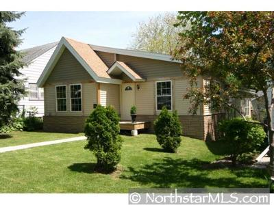 Minneapolis MN Single Family Home For Sale: $255,000