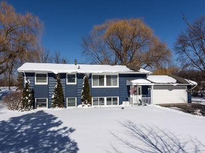 Prior Lake Single Family Home For Sale: 18480 Country Squires Circle