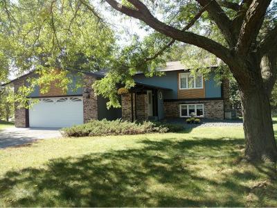 Mahtomedi Single Family Home For Sale: 600 Gosiwin Avenue