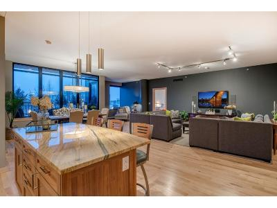 Minneapolis Condo/Townhouse For Sale: 215 10th Avenue S #204
