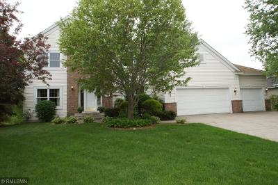 Mahtomedi Single Family Home For Sale: 406 Barrington Place