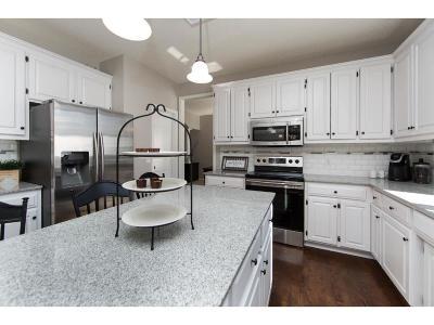 Lakeville Single Family Home For Sale: 16449 Hillsboro Court
