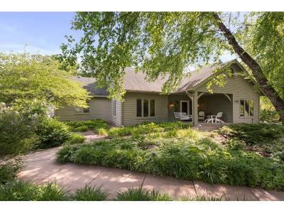 Lakeville Single Family Home For Sale: 17823 Lake Cove Circle