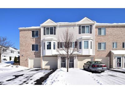 Hugo Condo/Townhouse Contingent: 4960 Emmit Drive N #2