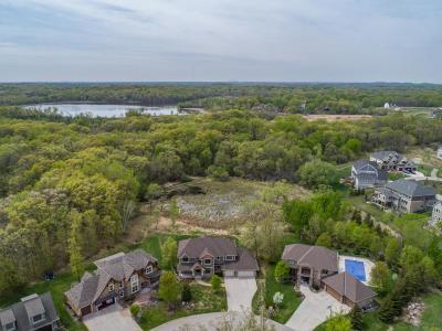 North Oaks Single Family Home For Sale: 24 Crescent Lane