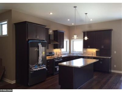 Mahtomedi Single Family Home For Sale: 157 View Road