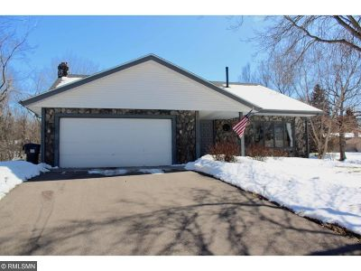 Eagan Single Family Home For Sale: 1348 Wilderness Run Drive