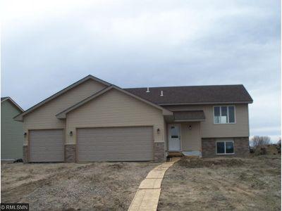 Delano Single Family Home For Sale: 373 Greenway Drive