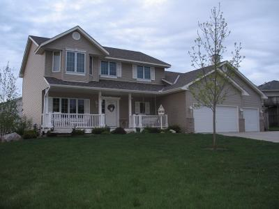 Chaska Single Family Home For Sale: 274 Jaspers Circle S