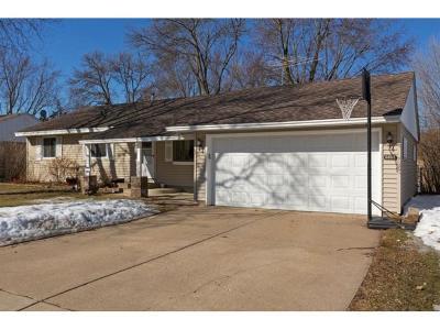 Maple Grove Single Family Home For Sale: 9553 Pilgrim Lane N