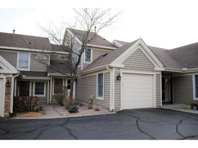 Eden Prairie Condo/Townhouse For Sale: 14199 Bedford Drive