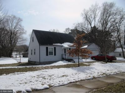 Menomonie Single Family Home For Sale: 206 24th Avenue E