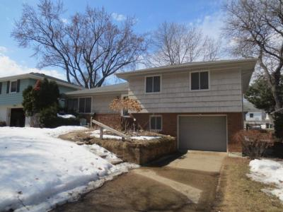 Minneapolis Single Family Home For Sale: 5920 Sheridan Avenue S