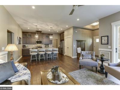 Delano Single Family Home For Sale: 394 River Street S