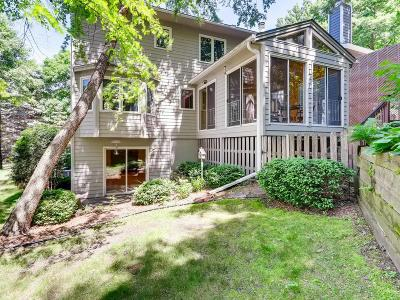 Minnetonka Condo/Townhouse For Sale: 4396 Woods Way