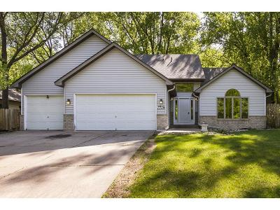 Coon Rapids Single Family Home For Sale: 9935 Egret Boulevard NW