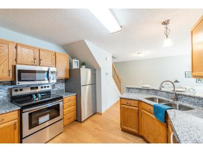 Apple Valley Condo/Townhouse For Sale: 12924 Echo Lane #23