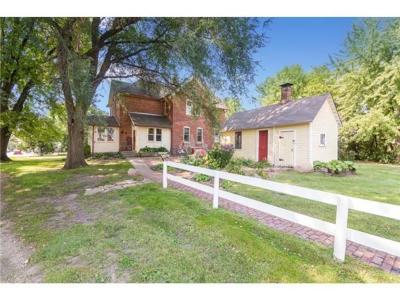 Carver County Single Family Home For Sale: 481 Sophia Avenue
