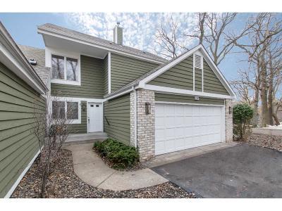 Mahtomedi Condo/Townhouse For Sale: 153 Wildwood Bay Drive