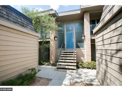 Edina Condo/Townhouse Contingent: 6305 Colony Way #2A
