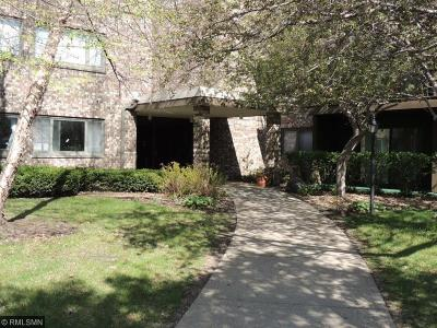 Hennepin County Condo/Townhouse Contingent: 4120 Parklawn Avenue #228