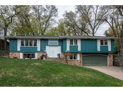 Fridley Single Family Home For Sale: 1595 Trollhagen Drive