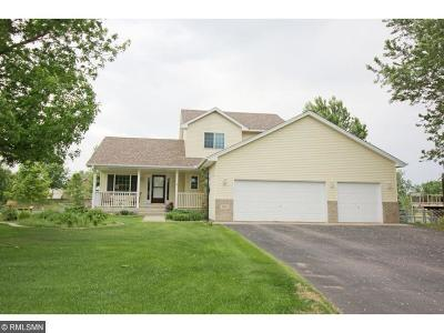 Isanti Single Family Home Contingent: 1011 Hillock Street NW