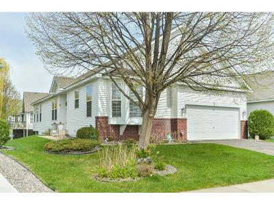 Maple Grove Condo/Townhouse For Sale: 8957 Kimberly Lane N