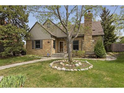 Minneapolis Single Family Home For Sale: 1017 Thomas Avenue S
