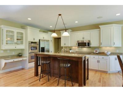 Chanhassen Single Family Home For Sale: 6441 Fox Drive