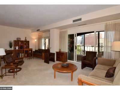 Minneapolis Condo/Townhouse For Sale: 1201 Yale Place #707