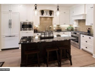 Minnetonka Condo/Townhouse For Sale: 15420 Oakcroft Place #222